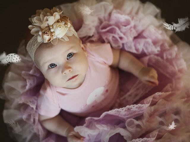 Laço e top para bebe menina - Mamães de meninas: usar faixa ou lacinho de cabelo?